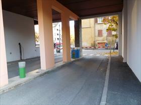 Parking - GAP - GARAGE / JEANNE D