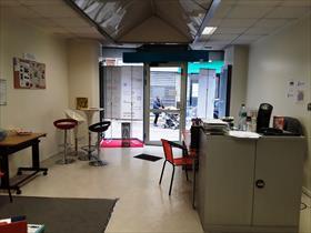 Commerce - LA TOUR DU PIN - LA TOUR DU PIN LOCAL 138 m²