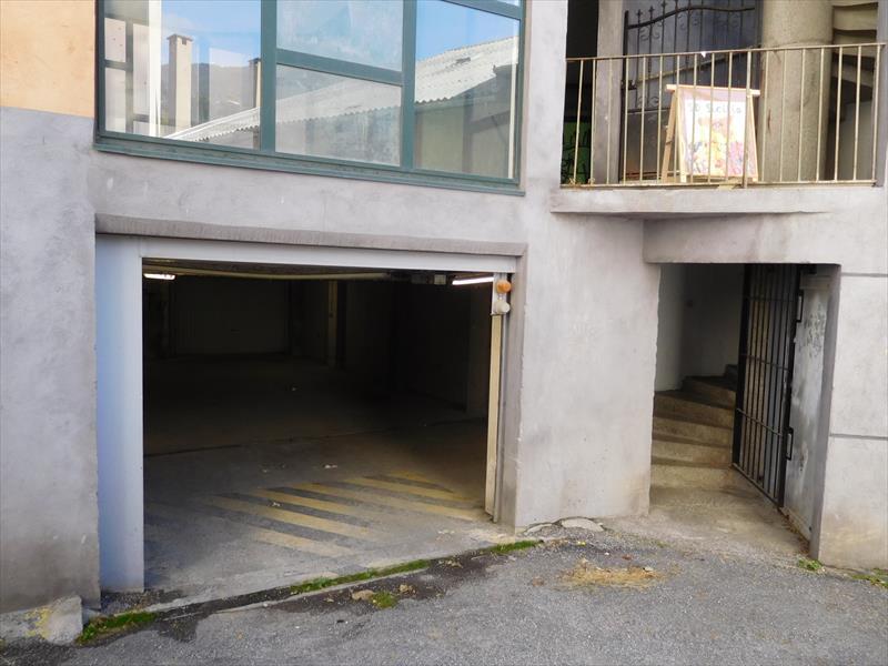 Stationnement - Embrun - Garage en centre-ville