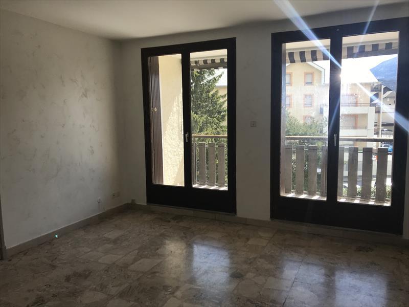 Appartement - Embrun - Un studio dans résidence calme proche centre-ville