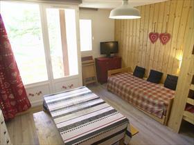 Appartment/Flat - merlette - Studio plein centre rénové