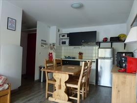 Appartment/Flat - PUY SAINT VINCENT - APPARTEMENT T3 6 PERSONNES AVEC BALCON