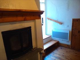 Appartment/Flat - guillestre - T2 avec terrasse et cave