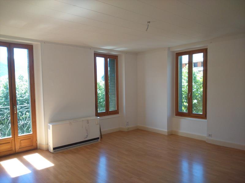 Appartement - GUILLESTRE - T5 centre ville, avec garage+parking. Éxclusivité