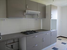 Appartement - POLIGNY - Type 4 , 1er étage de maison de village+jardin