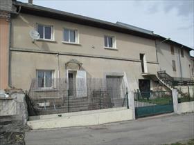 Maison - POLIGNY - Maison de village rénovée type4+garage+jardin+cour