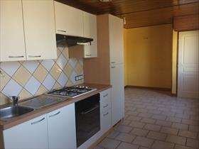 Appartement - CHABOTTES - TYPE 2 en 1er étage de maison, expo ouest