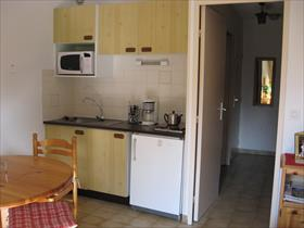 Appartement - ST BONNET - STUDIO Meublé ds résidence arborée,