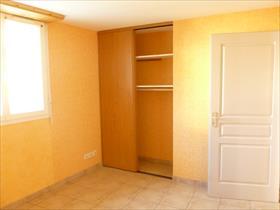 Appartement - ST LAURENT DU CROS - Appartement dans maison de pays Type 3