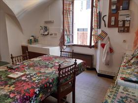 Appartement - ST FIRMIN - Centre village , proches commerces