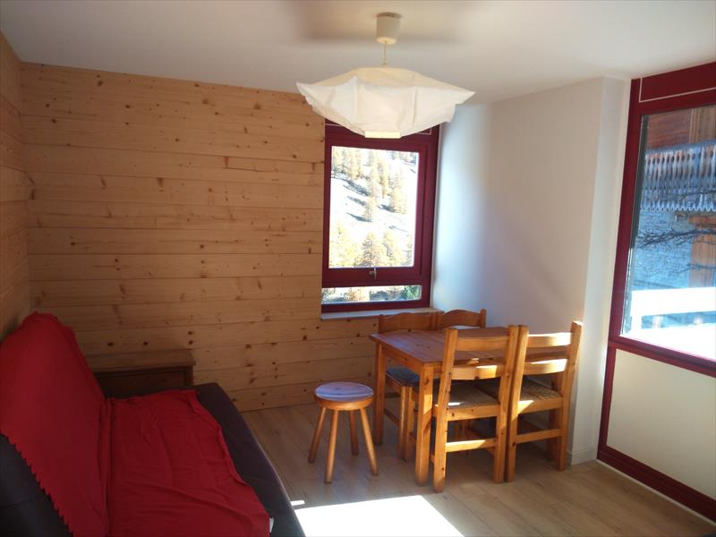 Appartement - Vars les Claux - T2 avec terrasse. Exclusivité agence.