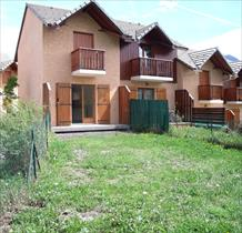 Appartement - Embrun - Joli T2 + garage et jardin au Plan d