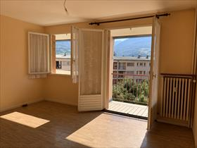 Appartement - EMBRUN - GRAND TYPE 3. Proximité centre ville