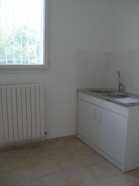 Appartement - Embrun - Joli T2 au 1er étage d-un immeuble  proche centre